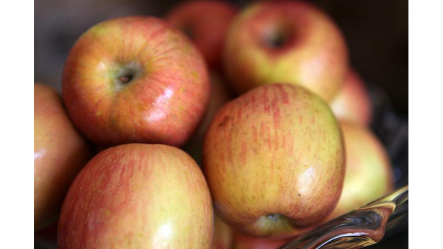 Aldi, Kroger recalls some apples due to possible listeria contamination