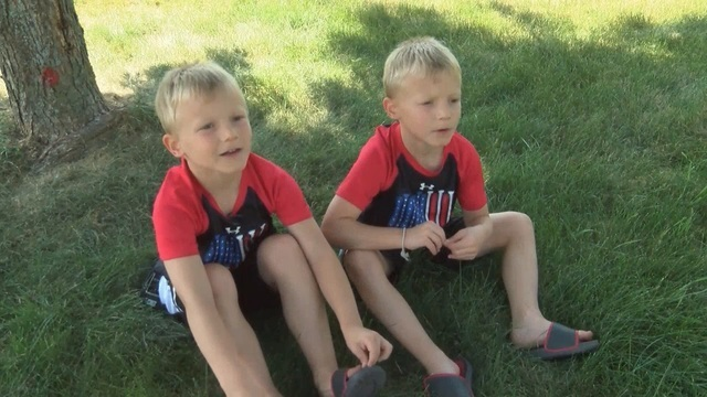 Ohio twin boys on vacation in Florida save girl from drowning